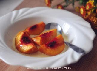 冰火之吻:楓糖漿熱烤黃桃配香草雪糕
