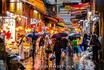 【圖】雨中的香港街道