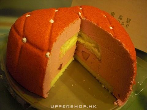 喺雜莓慕絲蛋糕