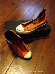 Converse鞋橙色