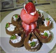 草莓霜淇淋好吃