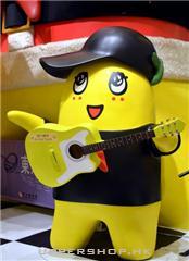 少爷占搖滾樂隊的電吉他手