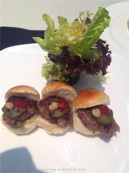 下午茶...mini beef burger @ Cafe Landmark