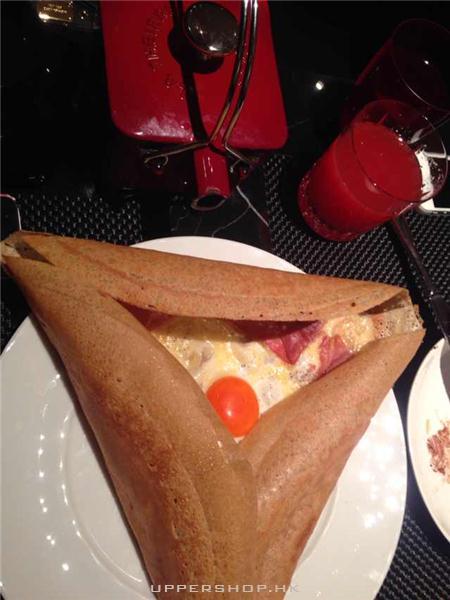 蛋黃火腿薄餅