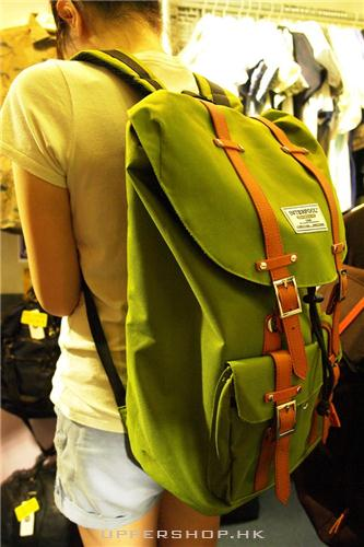 淺綠色背包1