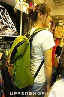 淺綠色背包2