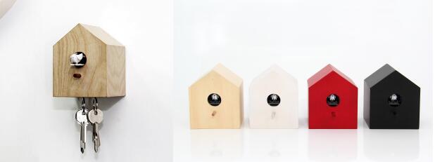 MUEMMA KUCKUCK 布穀鳥鐘 (HKD 810) 可選天然木色、紅色、黑色、 白色